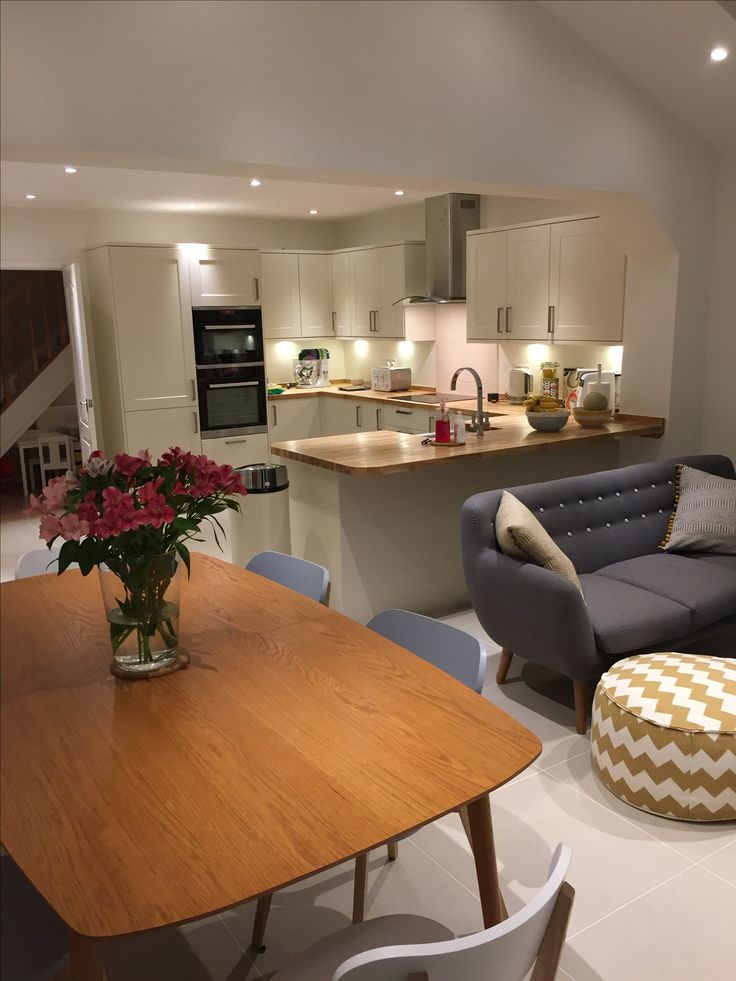 Howdens burford ivory kitchen.  Open plan Kitchen, Dining and Family area.