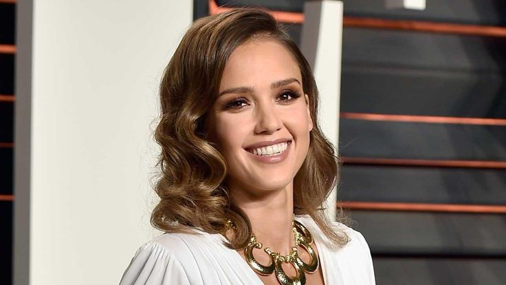 Jessica Alba Meets a Cop Who Tattooed Her Face on His Arm