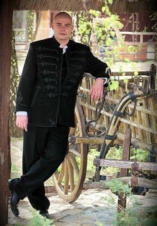 Bocskai suit  https://hagyomanyorzobolt.com/en/spd/B001/Bocskai-suit