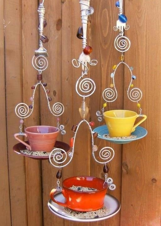 Coffee cup bird feeder....so unique and pretty!
