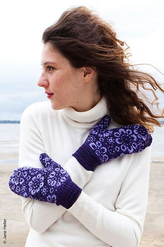 Flower-strewn mittens, perfect for holding hands or tossing snowballs.