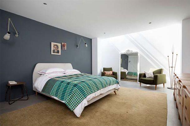 Uberlegen Bedroom With Purplish Blue Accent Wall, Mid Century Modern Bedroom Chair,  Blue
