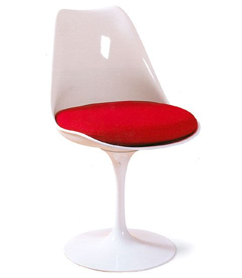 1955 Eero Saarinen – Tulip chair :