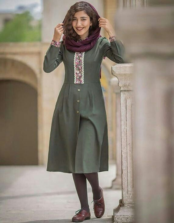 Chic Iranian outfit. Will wear it with barouges only