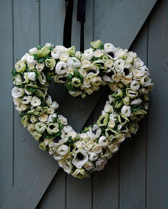 amazing heart wreath flowers white
