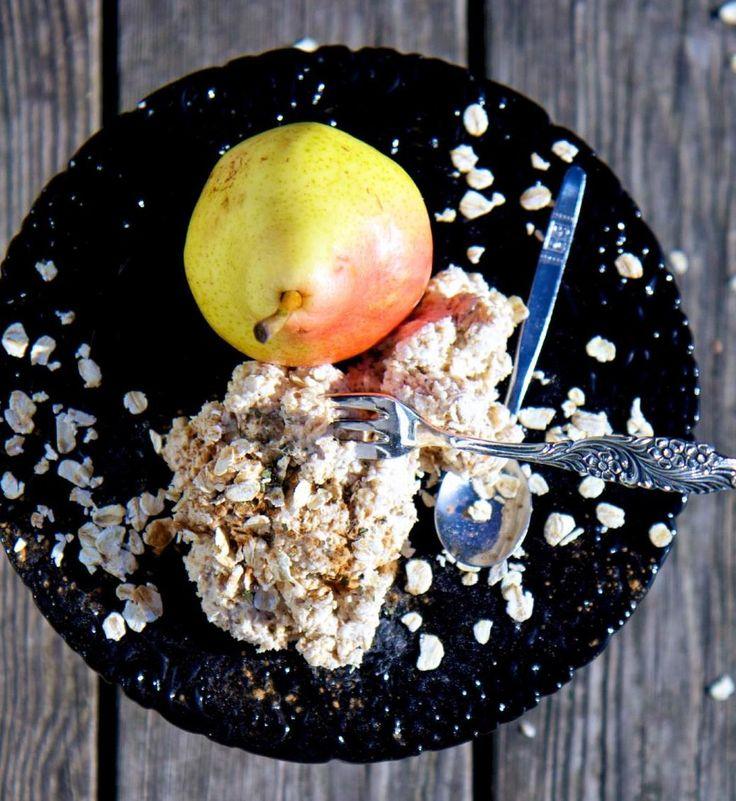 Ekologiskt recept på geggamoja, kall gröt, päron och kardemumma