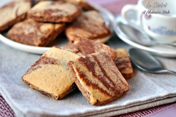 Biscotti marmorizzati alle nocciole, ricetta dolce