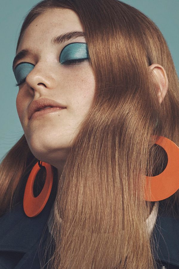 '70s Make Up Trend.