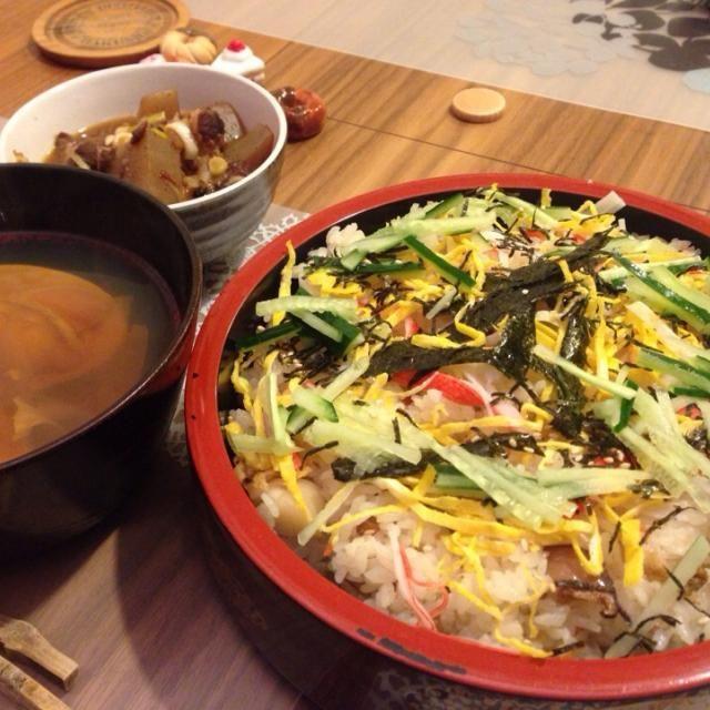 ひな祭りですからぁ! - 67件のもぐもぐ - ちらし寿司と蛤のお吸い物 by youkusa