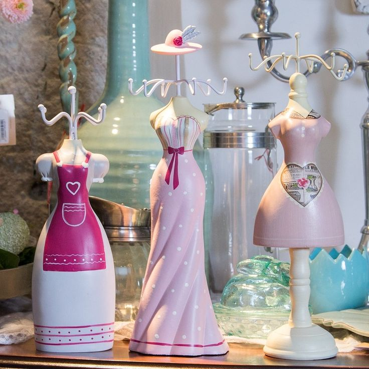 Milady, Which dress would suit your jewelry better? Choose the perfect Jewel-Holder for your personality!