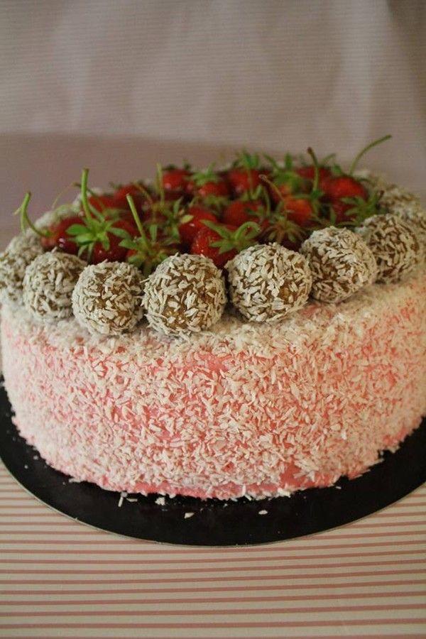 Konfirmationstårta med smak av jordgubb , kokos och harvreboll!  - jag gjorde 2 st tårtor, men detta receptet är bara för 1! :)    Tårtbotten 26 cm springform  7 st eco ägg Rumsvarma 4…