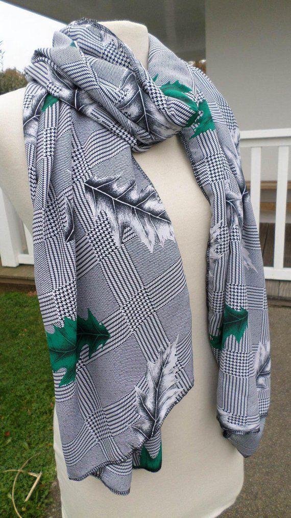a7e290370fa9 Etole écharpe grand foulard châle imprimé pied de coq pied de poule  femme   créateur lin eva  gris et vert collection printemps été 2018
