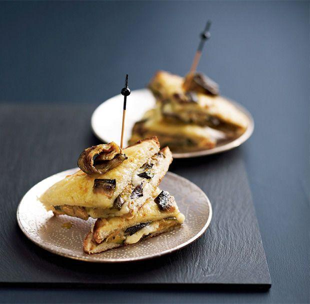 Croques met verse geitenkaas en gegrilde aubergine