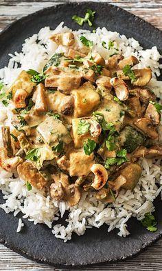 Hello Massaman! Cremig-mildes Thai-Curry mit Zucchini, Champignons und Cashewkernen