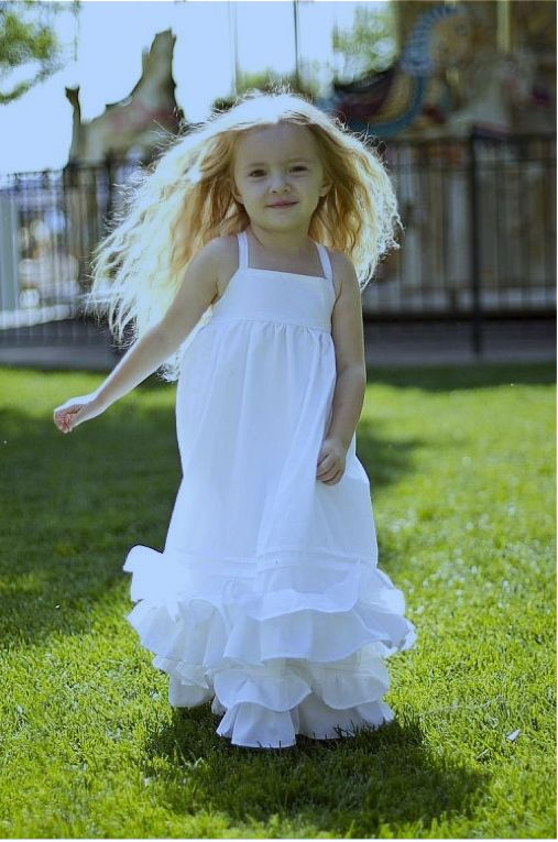 SUPER CUTE!!!! DIY maxi dress. pattern - this is too cute and a great flower girl dress