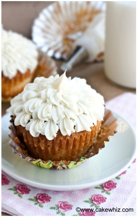 my favorite vanilla cupcakes 1