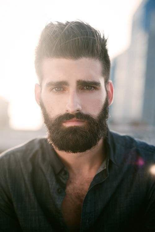 Barba poblada, chico guapo. ¿Cuál os gusta más? #modahombres #barba #estilo