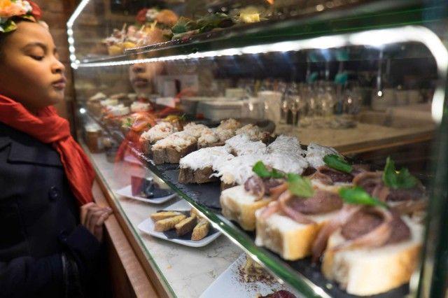 Condividi Pubblica tweet + 1 E-mail I bacari di Venezia che reputiamo i migliori per mangiare bene senza spendere una fortuna sono un nostro ...