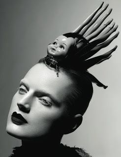 Strawberige: eccentricities: headdresses