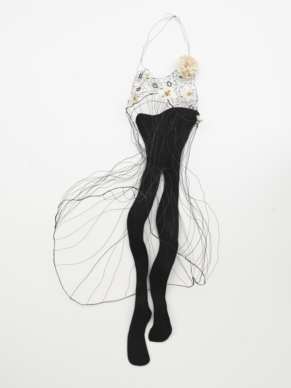 sculptural drawing in metal wire on Behance
