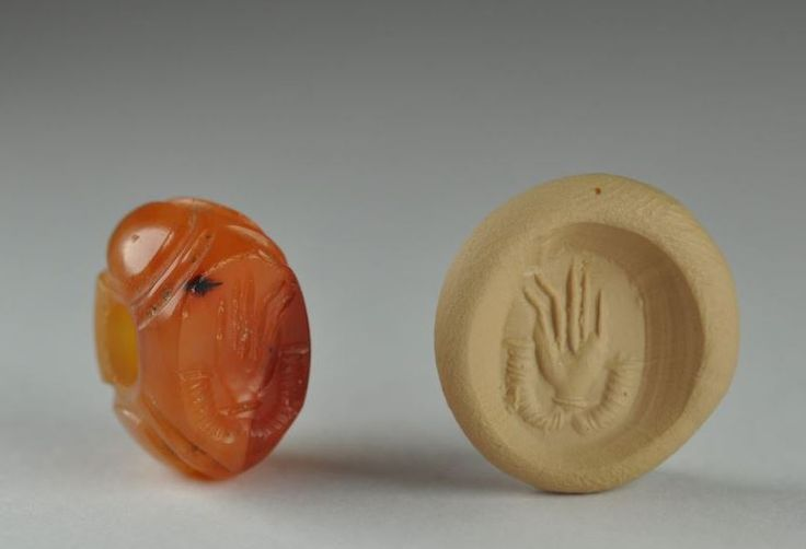 Mesopotamian stamp seal, Sasanian seal, 3rd-6th century A.D. Mesopotamian stamp seal, Sasanian seal, with open hand. Private collection