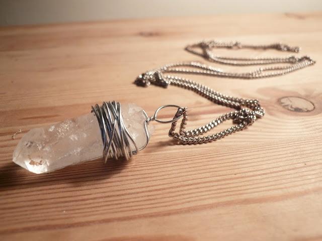 Wire wrap crystal pendant. love it must try! #ecrafty