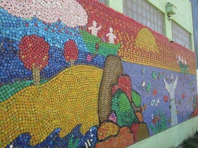 Mosaico con tapones plásticos