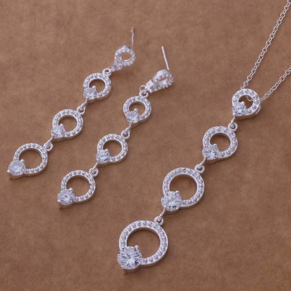 Купить товарAt356 бесплатная доставка! 925 стерлингового серебра ювелирные изделия, мода комплект ювелирных изделий, модные кристалл серьги и ожерелье / uaqqav uslleu в категории Ювелирные наборына AliExpress.      Подвеска: 1.5*7 см Ожерелье Длина: 18 дюйм(ов) серьги: 1*5.5 см