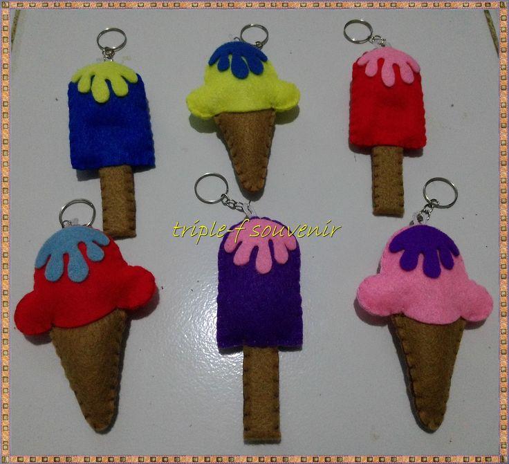 gantungan es krim