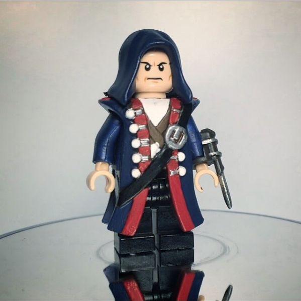 Custom LEGO Minifigure of the Week - Haytham Kenway by PatSonBricks #LEGO #BrickWarriors #Minifigure #AssassinsCreed #HaythamKenway #LEGOaccessories #MinifigureAccessories