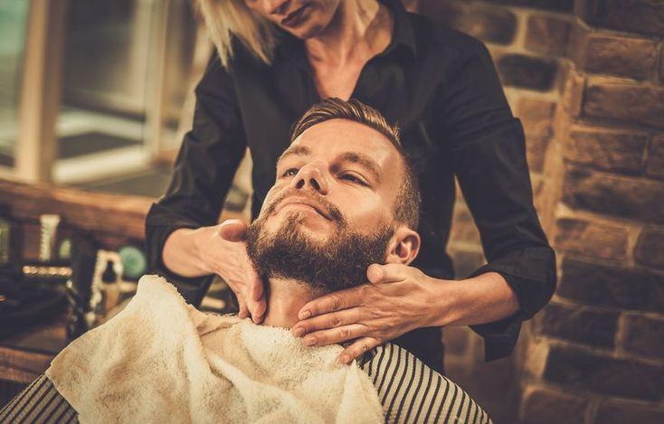Ein Bartöl macht Deinem Bart geschmeidig, kann den Bartwachstum anregen und verleiht einen angenehmen Duft. Welches Bartöl passt zu Dir? #bartpflege #bartoel #barbertrends #gepflegterbart