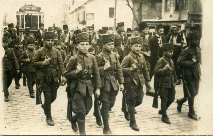 1915-Çanakkale Savaşı çocuk askerler