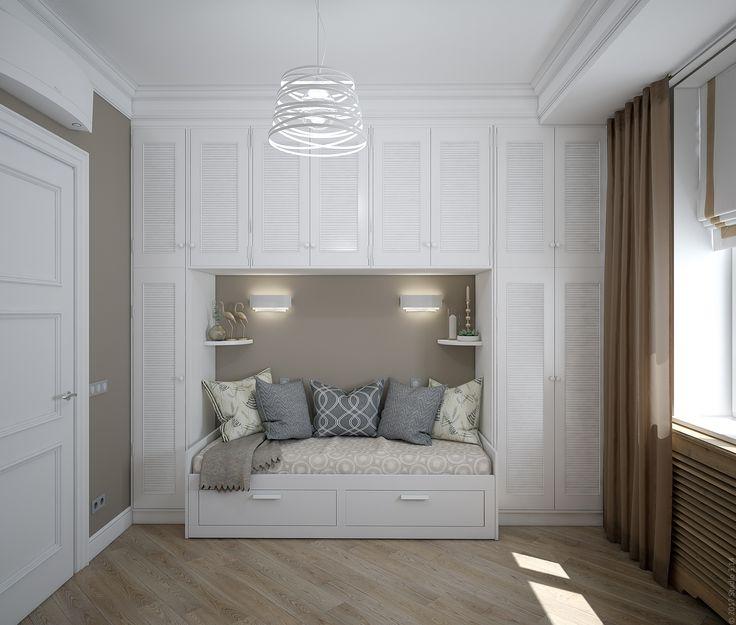 Шкафы для хранения с дверцами-жалюзи и раскладной диван в качестве дополнительного спального места.