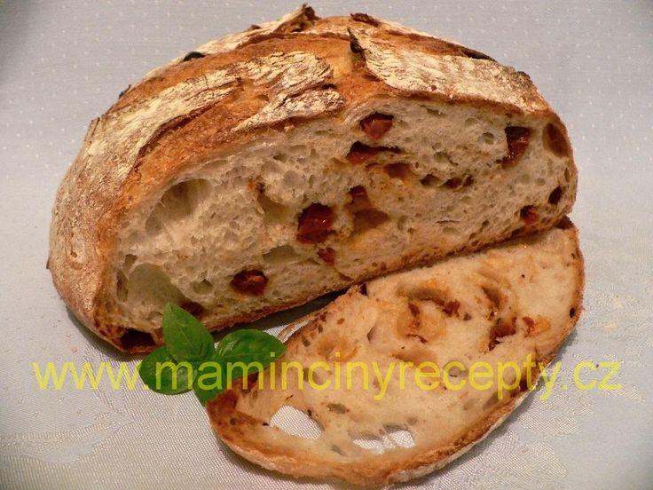 Chléb se sušenými rajčaty