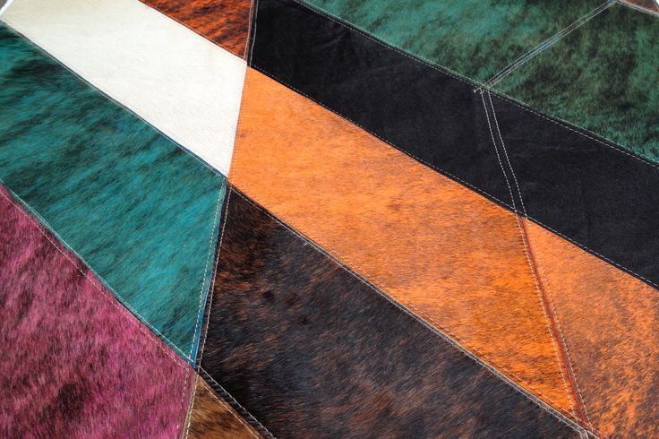 Columbia rug - Details - A touch of orange, pink, brown and peacock blue ..