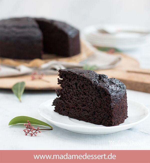 Ein super saftiger, veganer Schokoladenkuchen –Das war mein gestecktes Ziel für diese Woche.