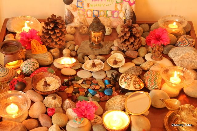 Tabletop rock meditation garden.Nature Tables, Art Crafts, Meditation Gardens, Meditation Corner, Groovy Gardens, Buddha Corner, Crafts Projects, Craft Projects, Kids Art
