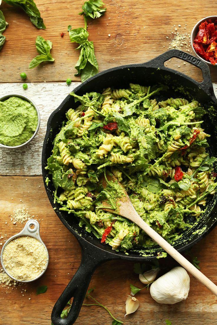 AMAZING, 30-minute Pea PESTO Pasta with Sun-Dried Tomatoes and Arugula! #vegan #glutenfree #pasta #healthy #dinner #recipe