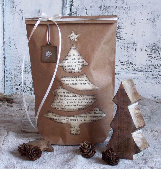 Geschenkverpackungen - Wunderschöne Weihnachtstüte mit Anhänger - ein Designerstück von Lunas-VintageART bei DaWanda