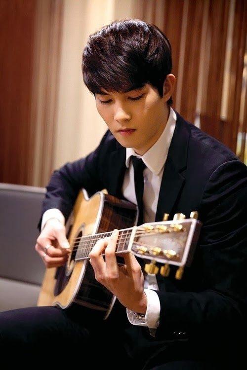 Lee Jong Hyun                                                                                                                                                                                 Más
