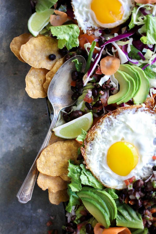 Huevos Rancheros Breakfast Salad recipe || Breakfast salads are all the rage these days and we can see why. They're delicious, beautiful, and don't weigh you down like traditional brunch fare. || @thismessisours #vegetarian #glutenfree