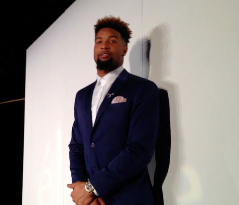 Giants' Odell Beckham Jr. does the runway 'whip' at Super Bowl party