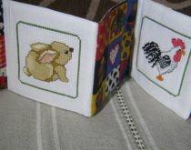 Babakönyv hat állatkával, melyet Latinka készített http://www.breslo.hu/latinka/shop