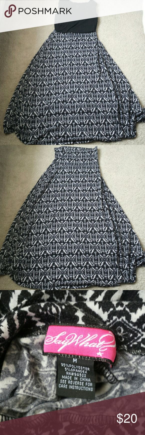 Black and white tribal print maxi skirt size M Black and white tribal print maxi skirt jr/ms size M Skirts Maxi