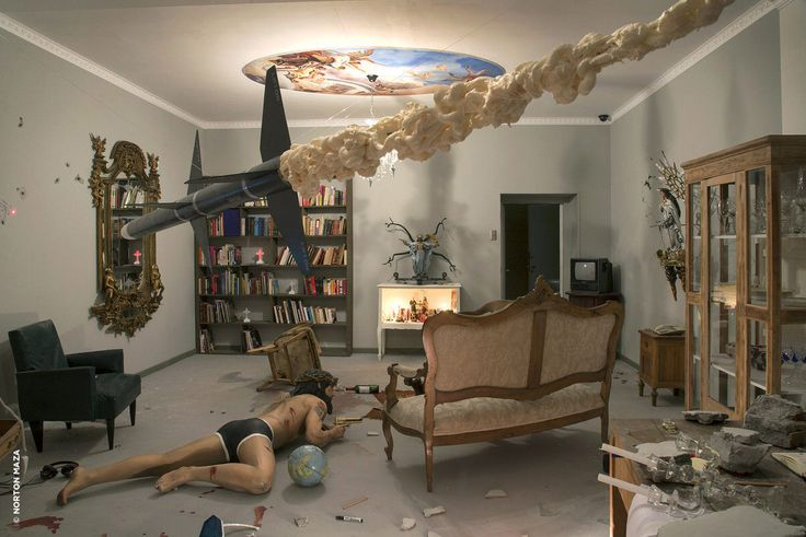 """Chilean artist Norton Maza created a visually stunning scenographic work titled """"Del Paisaje Y Sus Reinos"""" featuring a character Christ, naked and wounded, crawling in the room. #art"""