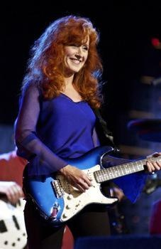 "Australian Country Music Artist Graeme Connors has said, ""Bonnie Raitt does something with a lyric no one else can do; she bends it and twists it right into your heart."" (ABC Radio NSW Australia interview with Interviewer Chris Coleman on 18 January 2007)[5]"