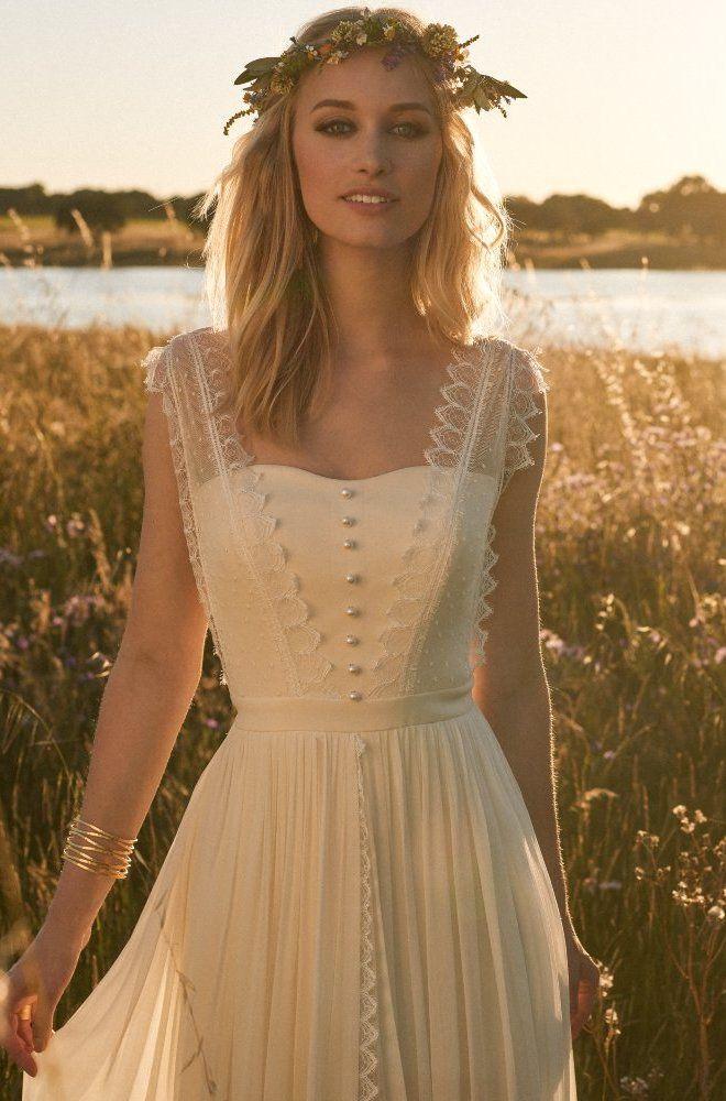 Rembo styling — Kollektion 2017 — Jacky: Cremefarbenes Vintage Kleid mit Knopfleiste und Spitzenträgern.