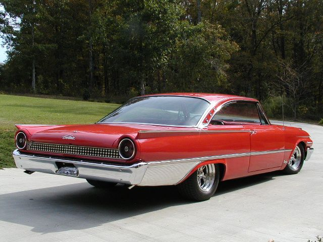 1961 Ford Galaxie Starliner