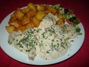 Csodás íze van és pikk-pakk összedobható! Ha gyors finomságra vágysz, ez tetszeni fog!  Hozzávalók:  1 nagy csirkemell 20 dkg gomba (konzerv) 5 gerezd fokhagyma 2…
