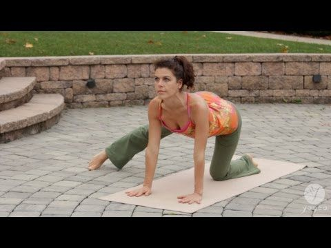 30 Min Weight Loss Yoga Routine: Trim & Tone (intermediate level) |This intermediate Yogea sequence offers a blend of isometric exercises paired with gluteus and thigh strengtheners, abdominal toners, and fat-burning breathing techniques to stimulate the natural mechanisms of the body for weight loss.